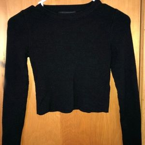 Long sleeve black cropped sweater